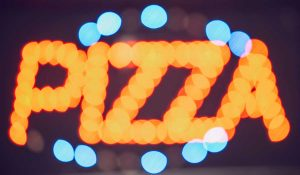 Freundesverrat für ein Stück Pizza, PrivacyParadox ©klublu/photocase.de